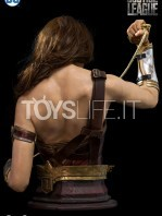 infinity-studio-dc-justice-league-wonder-woman-lifesize-bust-toyslife-08