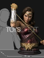 infinity-studio-dc-justice-league-wonder-woman-lifesize-bust-toyslife-10
