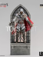 iron-studios-assassins-creed-ezio-auditore-1:10-deluxe-statue-toyslife-01