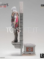 iron-studios-assassins-creed-ezio-auditore-1:10-deluxe-statue-toyslife-04