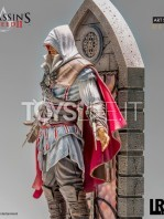 iron-studios-assassins-creed-ezio-auditore-1:10-deluxe-statue-toyslife-05