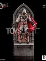 iron-studios-assassins-creed-ezio-auditore-1:10-deluxe-statue-toyslife-10