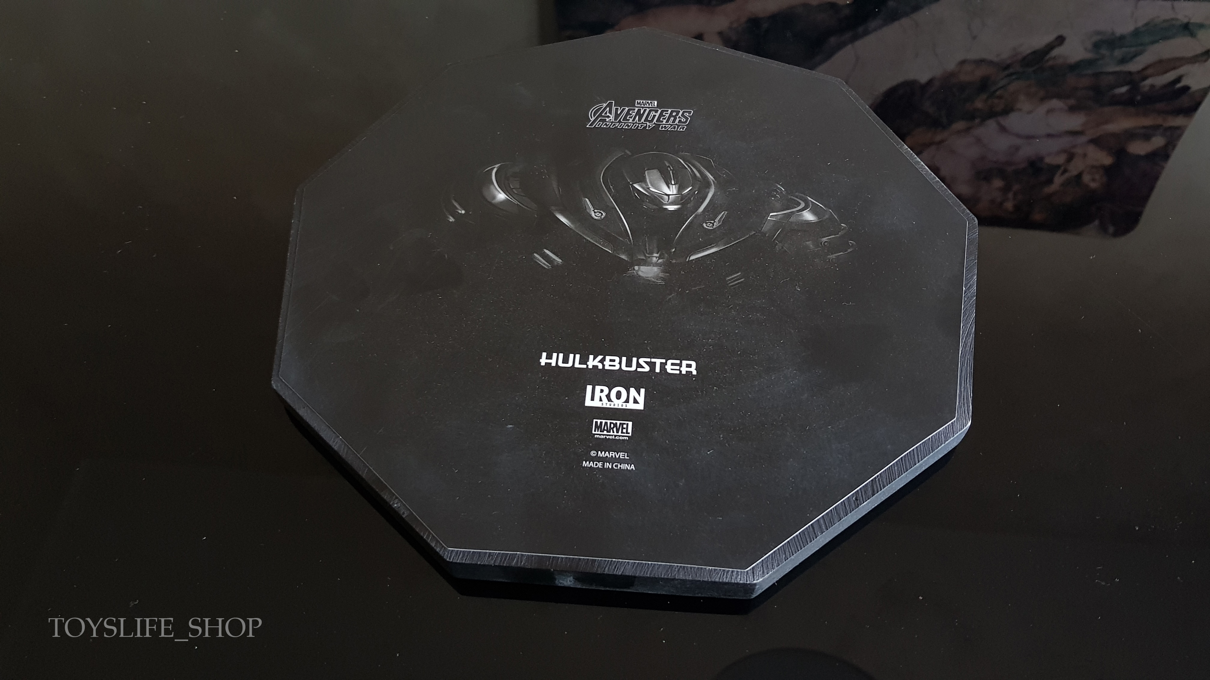 iron-studios-avengers-infinity-war-hulkbuster-1:10-statue-review-toyslife-01