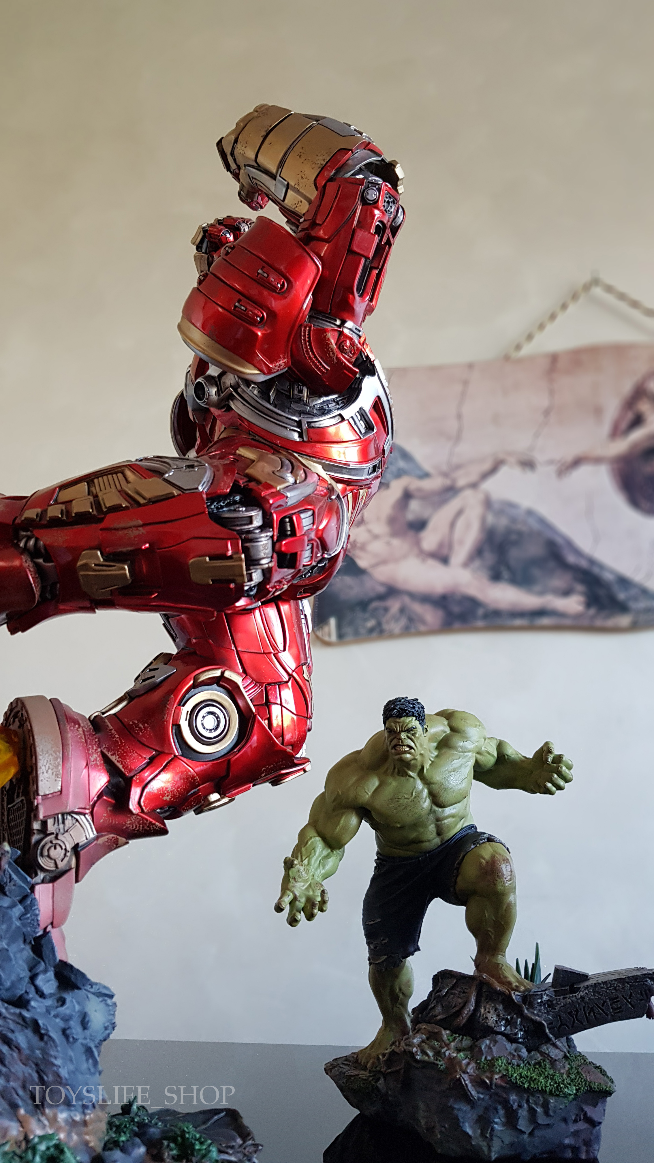 iron-studios-avengers-infinity-war-hulkbuster-1:10-statue-review-toyslife-15