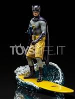 iron-studios-dc-batman-1966-batman-deluxe-1:10-statue-toyslife-01