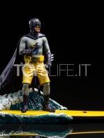 iron-studios-dc-batman-1966-batman-deluxe-1:10-statue-toyslife-02
