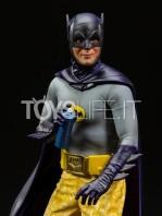 iron-studios-dc-batman-1966-batman-deluxe-1:10-statue-toyslife-05