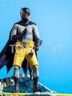 iron-studios-dc-batman-1966-batman-deluxe-1:10-statue-toyslife-13