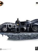 iron-studios-dc-batman-1989-batmobile-and-batman-deluxe-1:10-statue-toyslife-icon