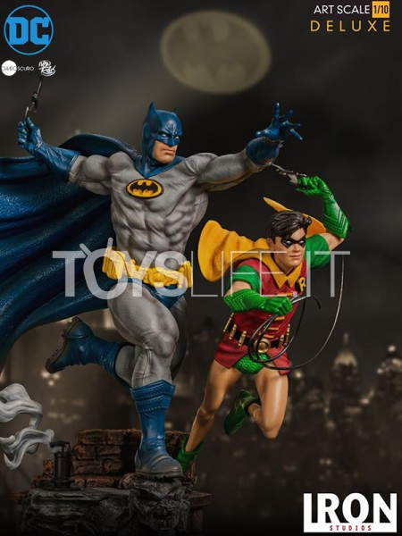 iron-studios-dc-comics-batman-and-robin-110-deluxe-statue-by-ivan-reis-toyslife-icon
