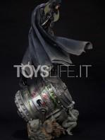 iron-studios-dc-comics-batman-black-edition-one-third-scale-statue-toyslife-04