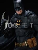 iron-studios-dc-comics-batman-black-edition-one-third-scale-statue-toyslife-05