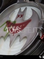 iron-studios-dc-comics-batman-black-edition-one-third-scale-statue-toyslife-10