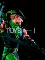 iron-studios-dc-green-arrow-by-ivan-reis-statue-toyslife-06