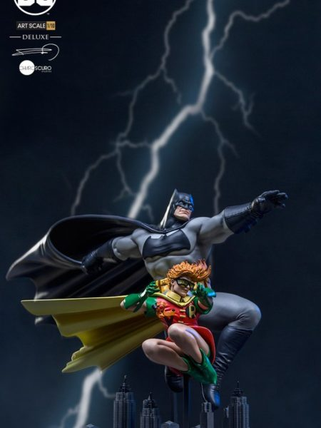 iron-studios-dc-the-dark-knight-return-batman-and-robin-kelley-deluxe-statue-toyslife-icon