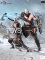 iron-studios-god-of-war-kratos-&-atreus-deluxe-1:10-statue-toyslife-05
