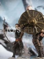 iron-studios-god-of-war-kratos-&-atreus-deluxe-1:10-statue-toyslife-10