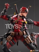 iron-studios-marvel-comics-deadpool-1:10-deluxe-statue-toyslife-07