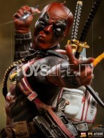 iron-studios-marvel-comics-deadpool-1:10-deluxe-statue-toyslife-09