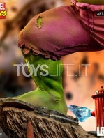 iron-studios-marvel-comics-hulk-toyslife-11