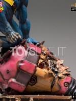 iron-studios-marvel-comics-x-men-beast-1:10-statue-toyslife-08