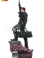 iron-studios-marvel-the-punisher-quarter-scale-statue-toyslife-04