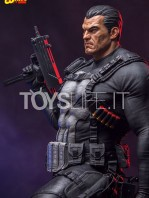 iron-studios-marvel-the-punisher-quarter-scale-statue-toyslife-06