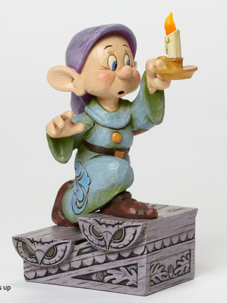 jim-shore-disney-traditions-dopey-with-candle-toyslife-001