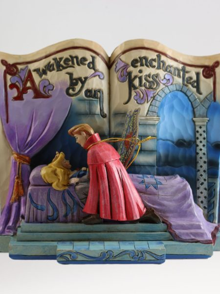 jim-shore-disney-traditions-sleeping-beauty-storybook-toyslife-001