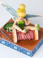 jim-shore-disney-traditions-tinkerbell-tumbles-toyslife-001