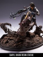 mcfarlane-the-walking-dead-daryl-dixon-on-chopper-statue-toyslife-01