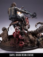 mcfarlane-the-walking-dead-daryl-dixon-on-chopper-statue-toyslife-02