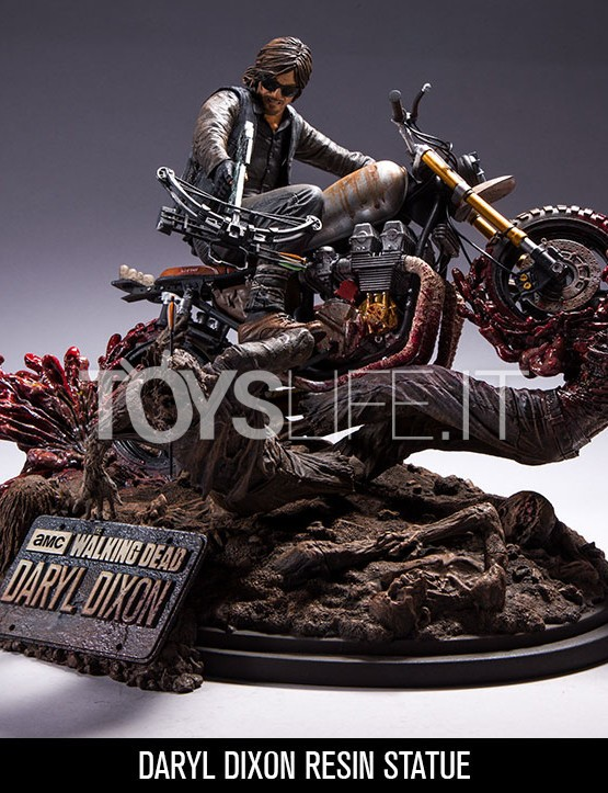 mcfarlane-the-walking-dead-daryl-dixon-on-chopper-statue-toyslife-icon