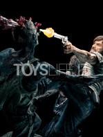 mcfarlane-toys-the-walking-dead-rick-grimes-statue-toyslife-04