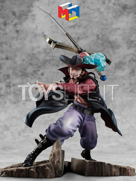 megahouse-one-piece-dracule-mihawk-excellent-maximum-pvc-statue-toyslife-icon