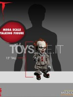 mezco-it-2017-pennywise-mega-talking-figure-toyslife-02