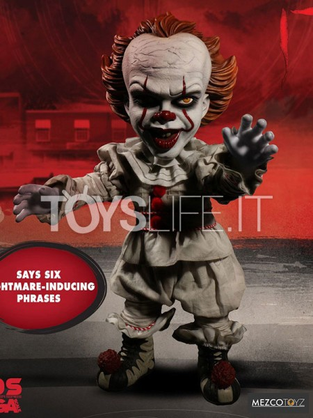 mezco-it-2017-pennywise-mega-talking-figure-toyslife-icon