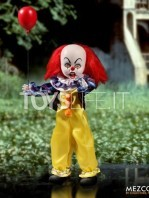 mezco-living-dead-dolls-it-1990-pennywise-toyslife-01