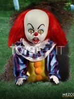 mezco-living-dead-dolls-it-1990-pennywise-toyslife-02