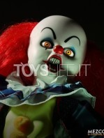 mezco-living-dead-dolls-it-1990-pennywise-toyslife-04