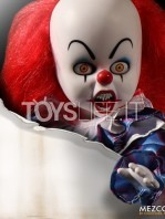 mezco-living-dead-dolls-it-1990-pennywise-toyslife-05