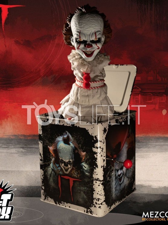 mezco-stephen-king's.it-2017-pennywise-burst-a-box-toyslife-icon