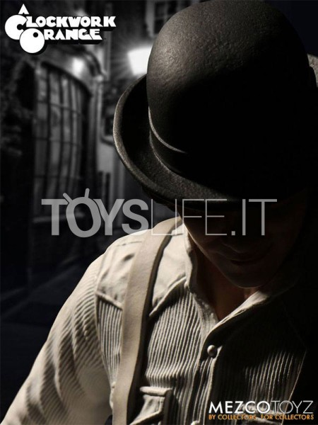mezco-toyz-a-clockwork-orange-alex-delarge-figure-toyslife-icon