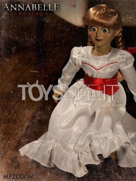 mezco-toyz-annabelle-creations-annabelle-lifesize-replica-toyslife-icon