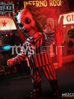 mezco-toyz-beetlejuice-mega-talking-figure-toyslife-07
