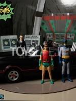 mezco-toyz-dc-batman-1966-the-warriors-5-points-batman-set-toyslife-12