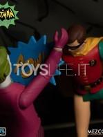 mezco-toyz-dc-batman-1966-the-warriors-5-points-batman-set-toyslife-20