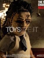 mezco-toyz-texas-chainsaw-massacre-leatherface-mega-scale-talking-figure-toyslife-05