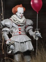 neca-2017-it-pennywise-figure-toyslife-02