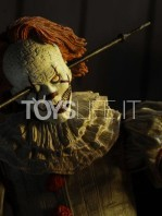 neca-2017-it-pennywise-well-house-figure-toyslife-06
